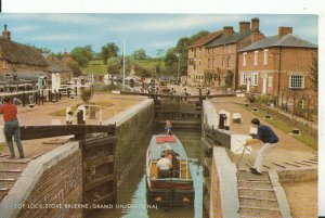 Northamptonshire Postcard - Top Lock, Stoke Bruerne, Grand Union Canal -  14168A