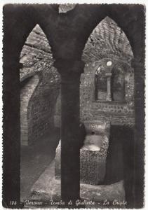 Italy, Verona, Tomba di Giulietta, La Cripta, unused real photo Postcard