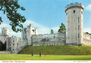 Postcard, Warwick Castle the East Front, Warwickshire 89Y