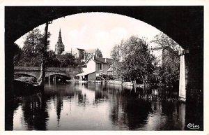 La Sevre Niotaise sous le Pont du Chemin de Fer St Maixent L'Ecole France Unu...