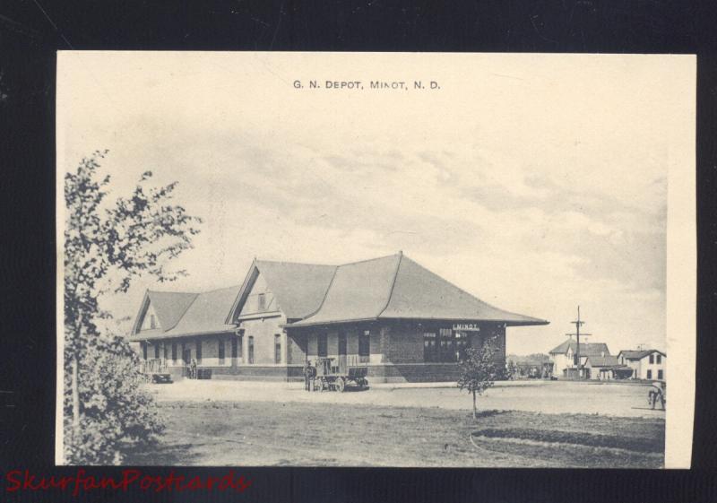 Minot North Dakota Great Northern Railroad Depot Station Vintage Postcard Hippostcard
