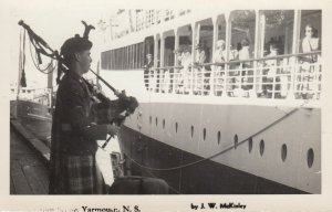 RP: YARMOUNT , Nova Scotia , Canada , 1930-40s Bagpipe player For Ship