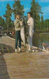 Canada Record Lake Trout 46 Pounds 2 Ounces Tazin Lake Mrs Alice Watt Saskatc...