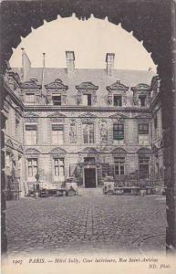 France Paris Hotel Sully Cour interieure Rue Saint Antoine