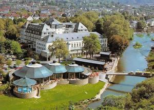 Bad Kreuznach Nahe, Die Nahe mit Crucenia-Kurthermen Hotel Kurhaus