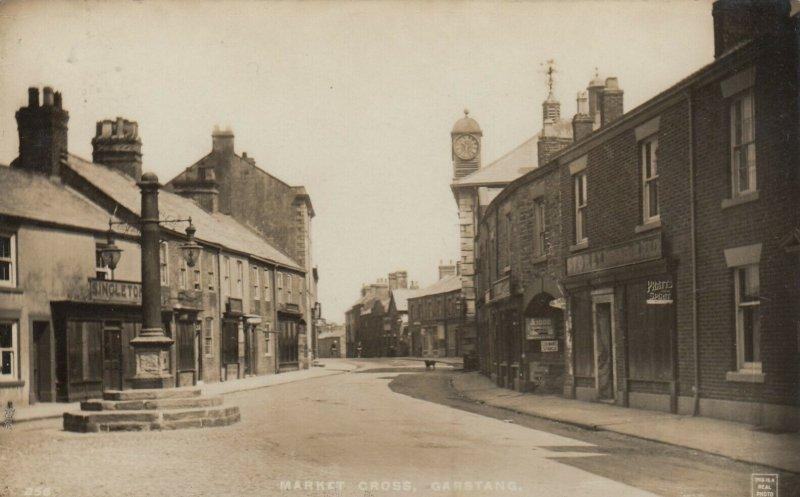 RP: GARSTANG , Lancashire , England , 1923 ; Street View , Market Cross