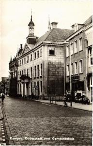 CPA Kampen Oudestraat met Gemeentehuis NETHERLANDS (728726)