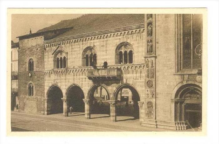 Palazzo Broletto, Como (Lombardy), Italy 1900-1910s