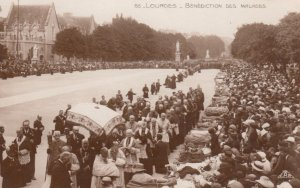 LOURDES, France,1910-1920s, Benefiction des Malades