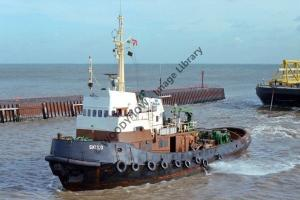 ap0886 - Danish Tug - Skuld , built 1970 - photo 6x4