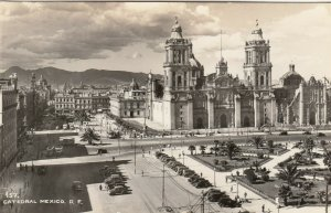 RP; Catedral , Mexico City , Mexico , 30-40s
