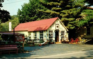 Pennsylvania Knauertown Village Outpost Antiques and Collectables St Peter...