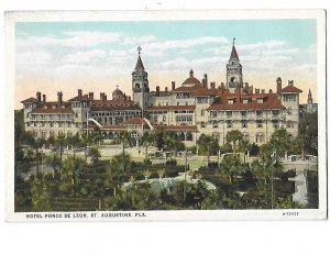Hotel Ponce De Leon St. Augustine Florida Horses & Buggies in Front