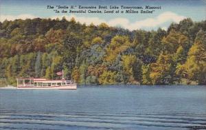 the Sadie H Excursion Boat Lake Taneycomo Missouri