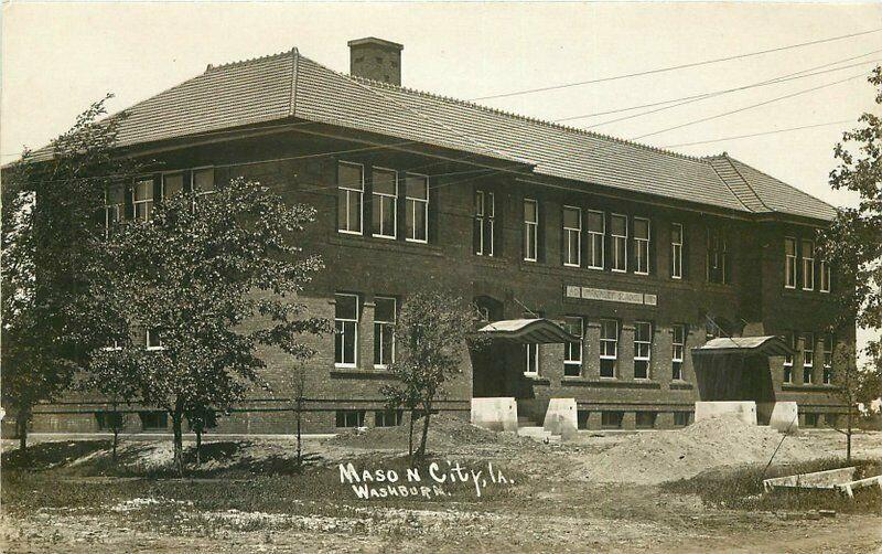 C-1910 Mason City Iowa McKinley School RPPC Photo Postcard 4827