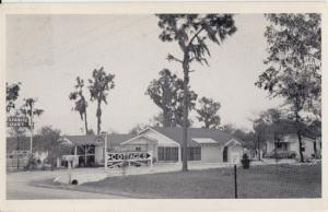 Lake Wales FL - cottages at  Rest A Nite Court on Lake O'The Hills, 1940s
