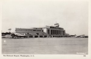 RP: Washington D.C. , Airplanes at airport , 30-50s