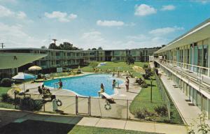 WILMINGTON , Delaware , 50-60s; Swimming Pool , Holiday Inn