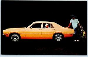1971 FORD MAVERICK 4-Door Sedan Advertising Postcard Yellow Car / Golfing Unused