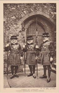 England London Tower Of London Yeoman Warders In State Dress