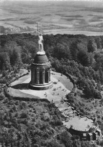 Hermannsdenkmal im Teutoburger Wald Monument Postcard