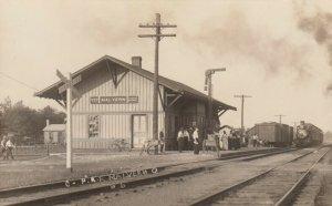 RP: MALVERN , Ohio, 1900-10s ; Train at railroad Depot