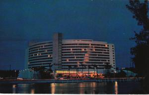 Night View, Luxury Fontainebleau, MIAMI BEACH, Florida, 40-60´