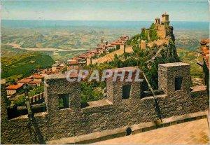 Postcard Modern REPUBBLICA DI S. MARINO ancient walls
