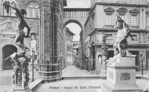Italy Firenze Loggia dei Lanzi Interno Statues