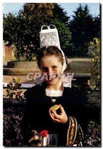Postcard Modern Brittany In Coueurs Girl Cast in Costume Porzay or manufactur...