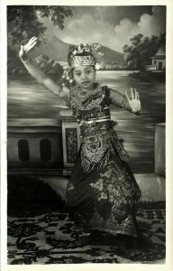 indonesia, BALI, Beautiful Native Legong Dancer Girl (1940s) Paris Foto RPPC (5)