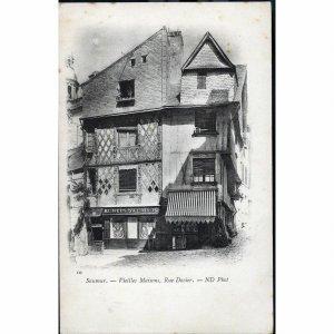 N.D. Phot. Vignette Postcard  'Saumur - Vieilles Maisons, Rue Dacier'