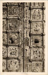 CPA VERONA Dettaglio della Portain bronzo di S.Zeno . ITALY (448581)