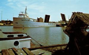US    PC977 MEDUSA CHALLENGER SHIP, MANITOWOC, WI