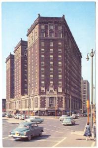 Syracuse NY Hotel Syracuse Men's Store Crosswalk Traffic Light Old Cars Postcard