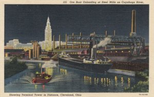 CLEVELAND , Ohio, PU-1940 , Ore Boat Unloading at Steel Mills on Cuyahoga River