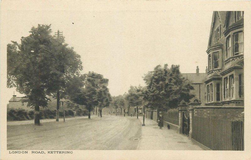 Postcard England Kettering London Road