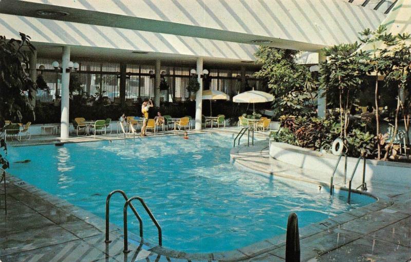 NIAGARA FALLS, NY New York NIAGARA HILTON Pool Roadside Postcard