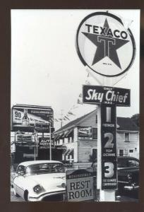 REAL PHOTO TEXACO SKY CHIEF ADVERTISING POSTCARD GAS STATION 1950's CARS COPY