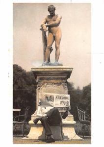 Statue -