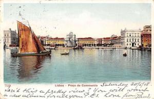 Portugal Lisboa - Praca do Commercio, Boats