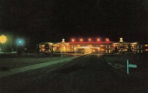 SHEPHERDSVILLE, Kentucky, 1940-60s; Bluegrass Lodge at Night