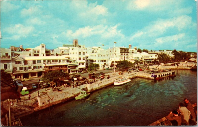 HAMILTON HARBOR BERMUDA - POSTED STAMP - VINTAGE SHIPS CHROME POSTCARD