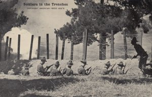 War 1914-18 ; American troops in trenches