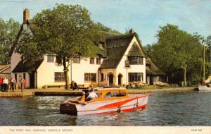HORNING NORFOLK BROADS UK THE FERRY INN WITH NICE WOOD BOATPHOTO POSTCARD