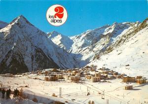 France Les 2 Alpes, L'Aiguille des Venosc et le Grand Rochail Winter Panorama