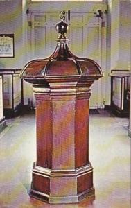 Pennsylvania Philadelphia Penn Font In Christ Church