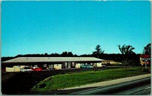 Lisbon, Maine Postcard DORMER MOTEL Maine Turnpike Roadside Chrome c1950s Unused