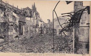 France Reims Archeveche apres le bombardement et incendie