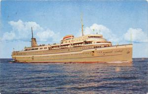 S.S. Milwaukee Clipper, Great Lakes luxury liner across Lake Michigan b...